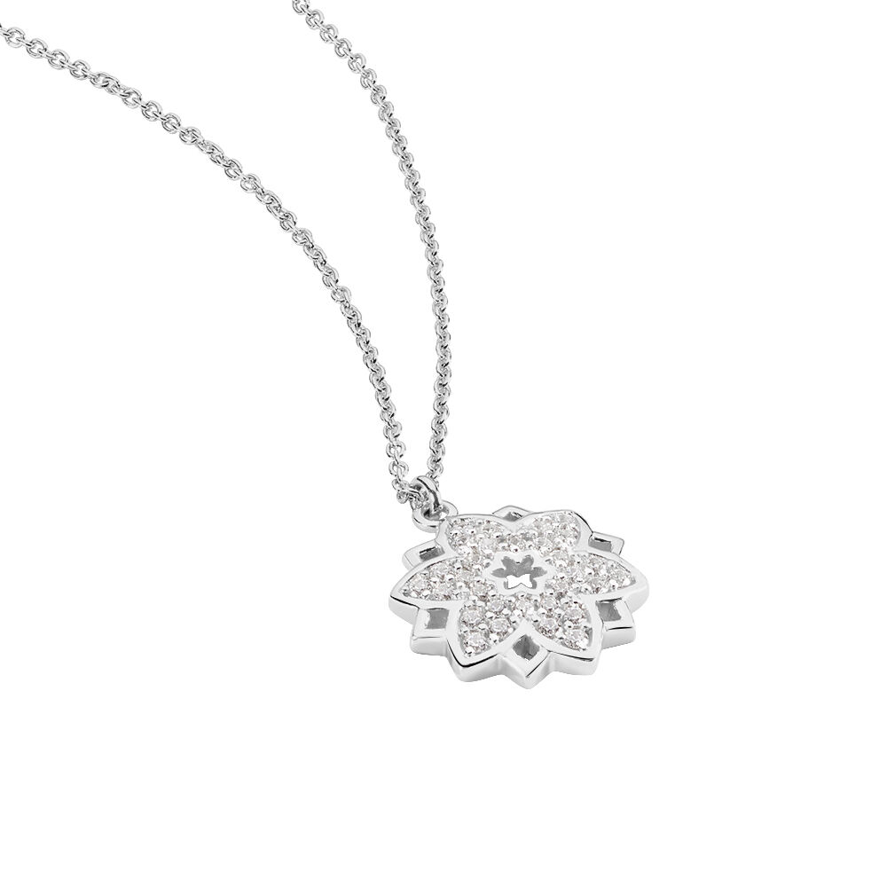 collier argent lotus
